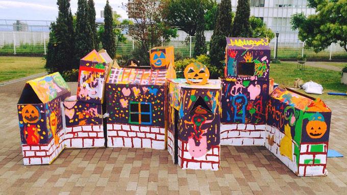 花と緑のフェスティバル/ダンボールでハロウィン魔女ハウス作り@西淀川区役所